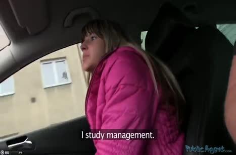 Блондинка согласилась за бабки на секс с водилой