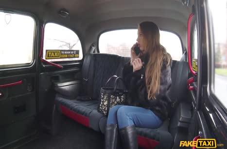 Таксист засадил русской туристке большой пенис