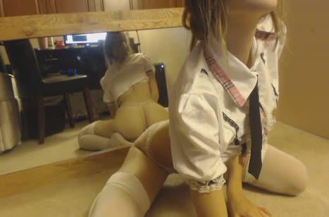 Русская развратница снимает мастурбацию с секс игрушкой