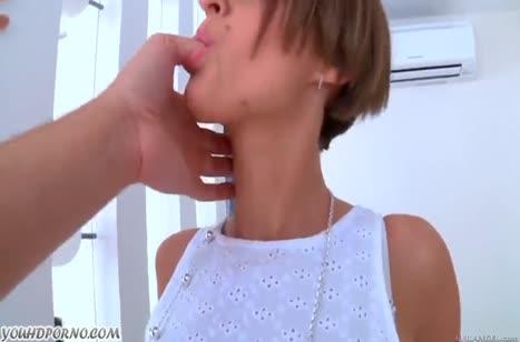 Русские сучки удовлетворяют лысого паренька
